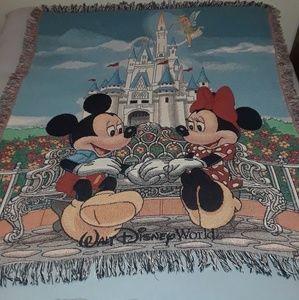 Walt Disney World Exclusive Mickey Mouse Throw